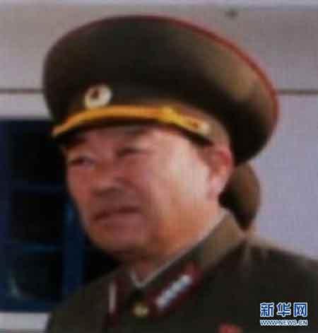 据朝中社17日报道,朝鲜劳动党中央军事委员会、朝鲜民主主义人民共和国国防委员会16日决定授予玄永哲朝鲜人民军次帅称号。玄永哲此前为朝鲜人民军大将。图为韩国联合通讯社7月17日提供的玄永哲的照片。  新华社/韩联社