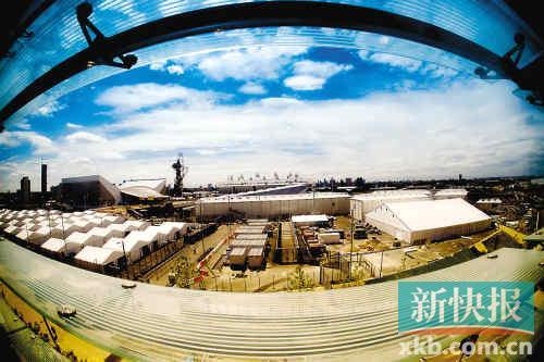 鱼眼镜头下的奥林匹克公园显得更加开阔美丽。