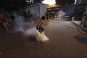埃及首都数百名示威者冲击叙利亚驻埃使馆(图)