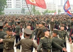 朝鲜人民军举行舞会 庆祝金正恩获元帅称号(图)