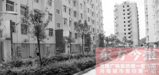 轻松 记者 建房 市民 委托 圆了 住房 争强 东方今报/东方今报记者韩争强/文图