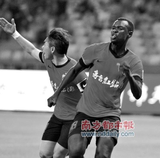 深圳红钻进球全靠巴巴卡。 Osports图片