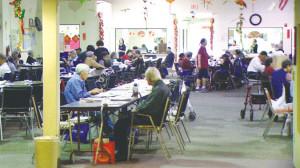 成人日间保健中心,是退休后老年人一个重要活动及社交的场所。侨报记者蔚宇摄