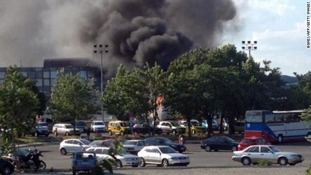 遭遇袭击的载有40名以色列游客的大巴