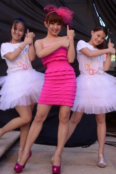 郭书瑶舞蹈教学视频_郭书瑶高雄啤酒节放送性感 唱出《爱的告白》