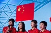图文:中国女子水球队送行会 姑娘们忘情献唱