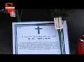 视频-极端球迷不满米兰现状 持鲜花为球队送葬
