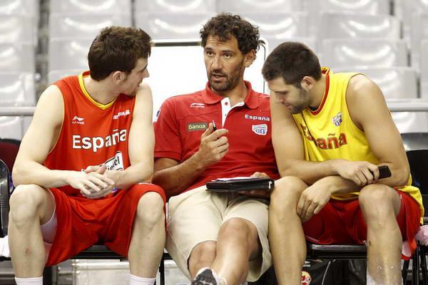 花边:西班牙男篮备战教练图文讲解奥运五一黑板报高中图片
