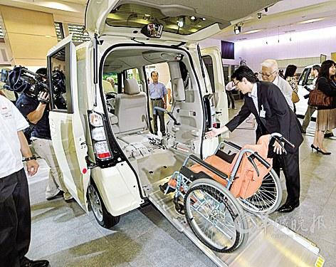 东京熟癹n��.�_近日,本田汽车公司在日本东京推出新车型n box,它是n系列微型车的第二
