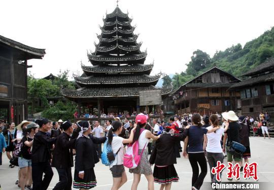 两岸学者赴侗乡考察研讨 共商侗族文化传承创新