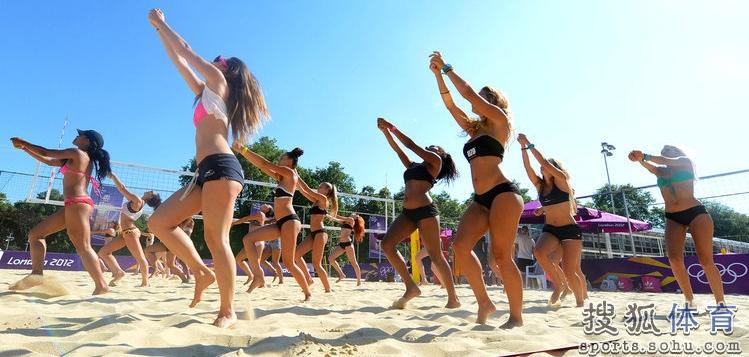 沙滩宝贝热舞排练