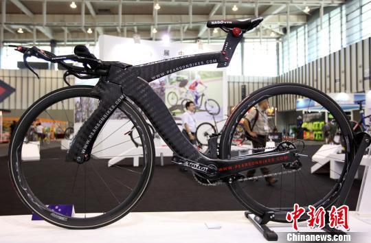价值28万元的天价自行车。泱波摄