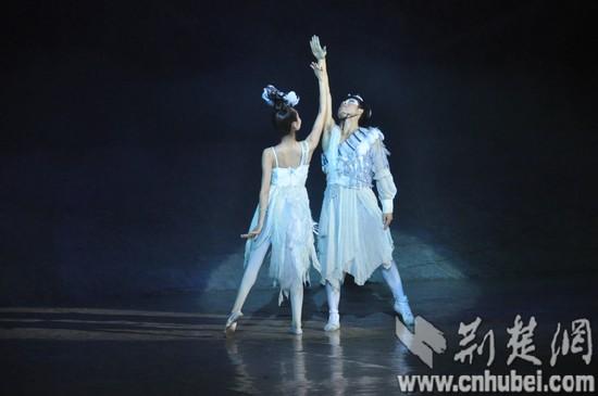 ...天堂》,感受独具魅力的藏族文化.   《天域天堂》舞台现场 ...