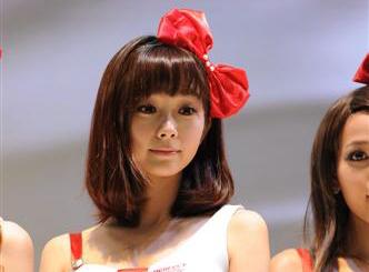 挨亚洲综合_报道称,41岁的特纳患有罕见的爱唐综合症(皮肤弹力过度症).
