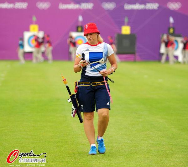 图文:女子射箭排位赛 英国女队选手威廉姆森