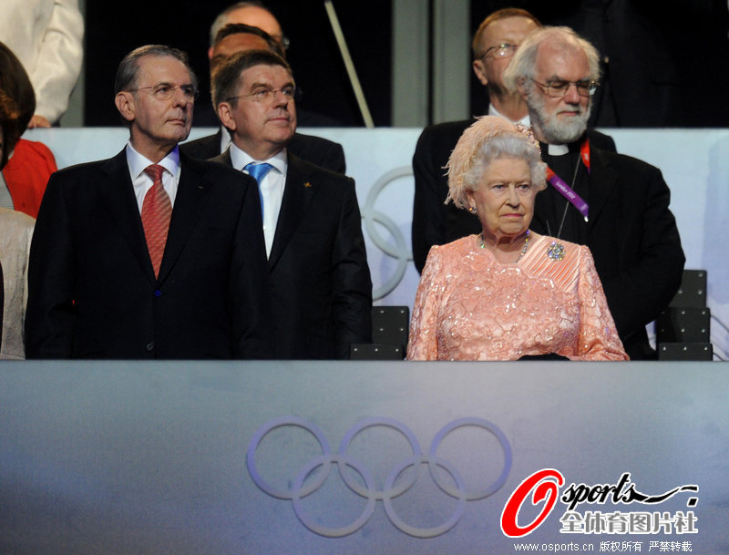 伦敦开幕式上罗格进行发言