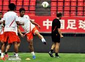 图文:山东鲁能备战齐鲁德比 鲁能球员训练
