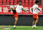 图文:山东鲁能备战齐鲁德比 山东鲁能球员训练