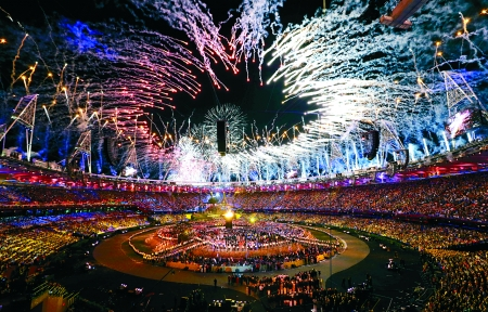 伦敦奥林匹克公园主体育场,第三十届夏季奥林匹克运动会开幕式现场。