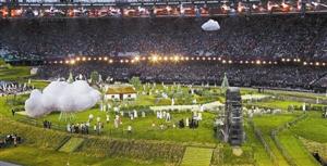 伦敦奥运会开幕式尽现自然风光。