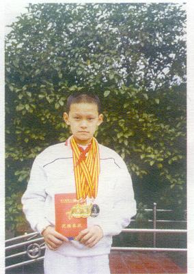 2004年,还是小学生的孙杨入选国家集训队,作为08奥运备战周期队员。