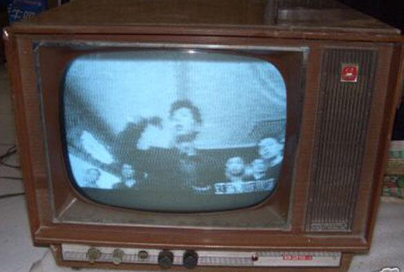 1958年北京牌820型电子管黑白电视机