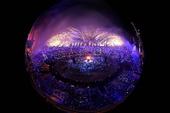 图文:伦敦奥运开幕式 奥运火炬被点燃