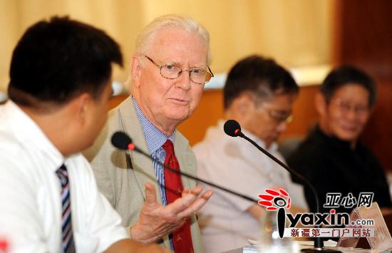 7月28日,前来参加2012年中国数量经济学会的教授莫里斯。亚心网记者 马元 摄