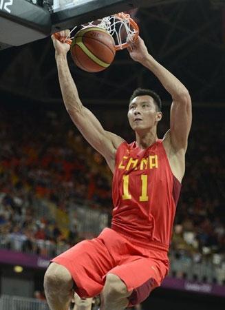 中广网北京7月30日消息中国广播联盟的奥运前方记者张小亮据中国之声《新闻纵横》报道,在今天凌晨结束的男篮的小组赛上,中国男篮81:97输给了世锦赛冠军西班牙队。