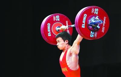吴景彪在比赛中。 新华社 发