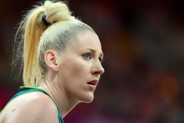奥运图:澳大利亚女篮惜败法国 杰克逊迷茫