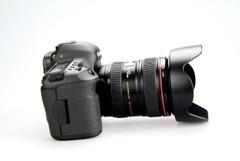 高画质新体验 佳能5D3套机售价29000元