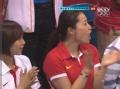 奥运视频-傅园慧现身泳池 头戴红色幸运帽出场