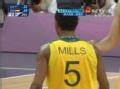 奥运视频-贝恩斯断球长传前场 米尔斯上篮命中