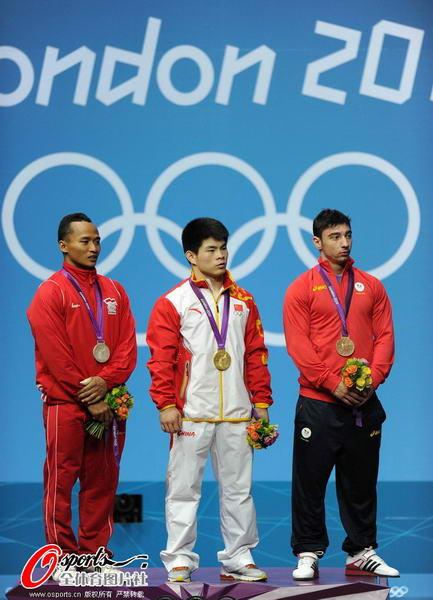 奥运图:林清峰梦圆奥运冠军 登上领奖台