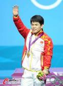 奥运图:林清峰梦圆奥运冠军 向观众致意