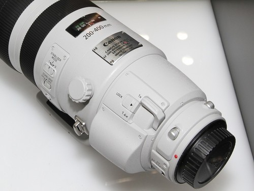 ����EF 200-400mm f/4L IS��ͷ��������