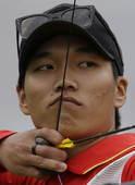 奥运图:男子射箭戴小祥晋级 戴小祥准备