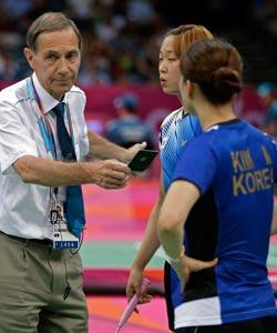 高清:奥运赛场频现和谐 体育精神何在