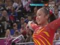 奥运视频-黄秋爽落地纹丝不动 与队友拥抱庆祝