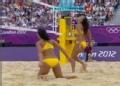 奥运视频-毛里求斯队垫球挂网 沙排女子小组赛