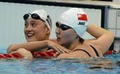 奥运图:女200蝶焦刘洋夺冠 平静接受祝贺