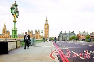 伦敦通勤人数剧减,主要干道也冷冷清清。