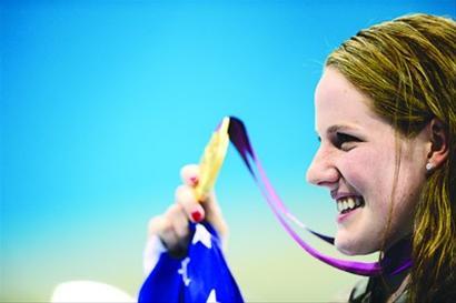 17岁的米西·富兰克林成为历史上首位一届奥运会参加七项比赛的女选手