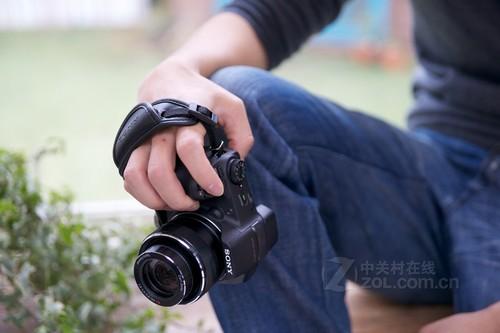 30倍光学变焦拍美景 索尼HX200特价促销