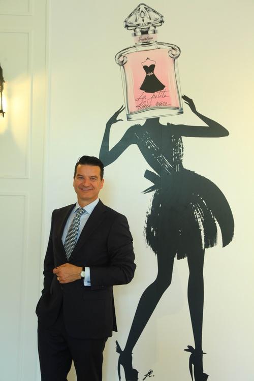 法国娇兰第五代调香师Therry Wasser先生在小黑裙淡香水发布现场分享他与娇兰的香氛传奇