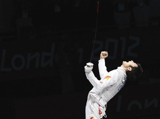 图文:奥运会男子花剑雷声打破零纪录