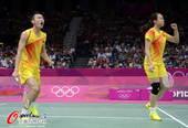 奥运图:羽球中国两组混双将会师 庆祝胜利