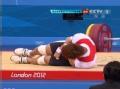 奥运视频-08奥运冠军抓举酿悲剧 肘臂脱臼退赛