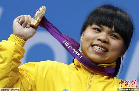 7月29日,2012伦敦奥运会女子举重53公斤级比赛,19岁的祖尔菲娅为哈萨克斯坦代表团赢得了金牌。她在比赛中以226公斤的总成绩夺冠,并且以131公斤打破挺举世界纪录。据悉,祖尔菲娅出生于湖南永州,有一个中国名字:赵常玲。